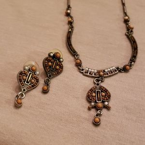Beautiful silver necklace and earrings